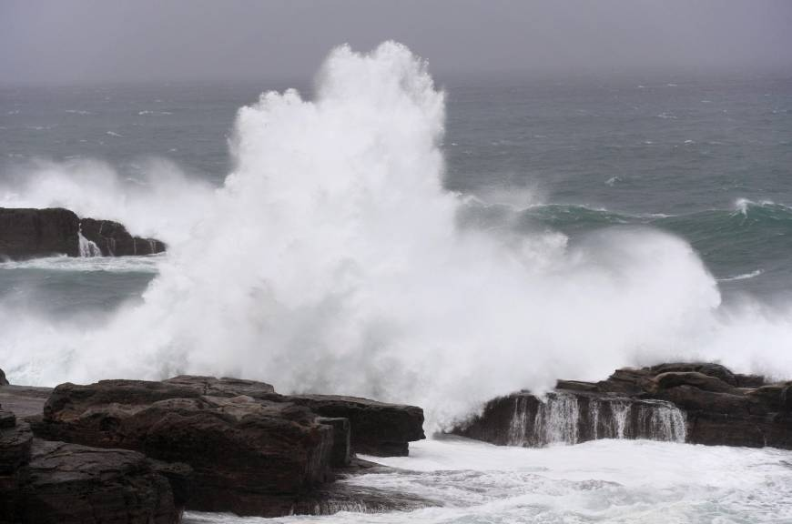 Typhoon Lan delays vote-counting in west, central Japan