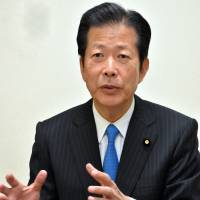 Let permanent foreign residents participate in local elections: Komeito chief Yamaguchi