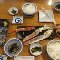 Seafood spread: A meal of fresh Tsugaru squid and crab at Maruyama Shoten in Hakodate. | DAVEY YOUNG