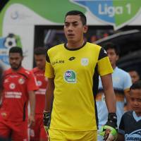 Indonesian goalkeeper dies after collision