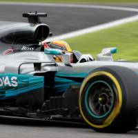 Lewis Hamilton nabs pole for Japanese Grand Prix