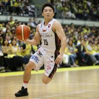 NeoPhoenix point guard Tatsuya Suzuki is a steady presence for his team in the backcourt. | B. LEAGUE