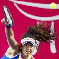 Naomi Osaka beats Venus Williams in straight sets