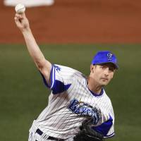 BayStars starter Joe Wieland pitches in Game 3 on Tuesday night. | KYODO