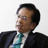 Etsuro Honda, an economic adviser to Prime Minister Shinzo Abe, is calling for fresh blood at the top of the Bank of Japan as current Gov. Haruhiko Kuroda is expected to be reappointed to another term. | BLOOMBERG