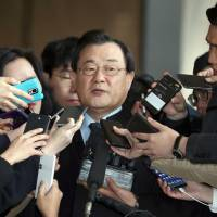 Former South Korean ambassador to Japan Lee Byung-kee speaks to reporters on Tuesday in Seoul. | YONHAP NEWS AGENCY / VIA KYODO