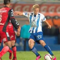 Midfielder Keisuke Honda scored a goal in Pachuca's 4-0 victory over Tijuana in a Copa MX quarterfinal on Wednesday. | KYODO