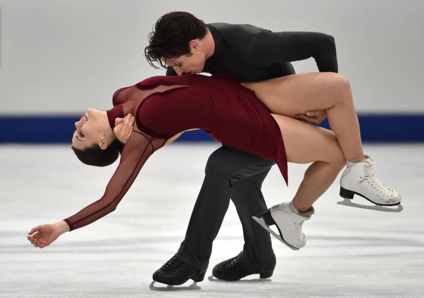Tessa Virtue and Scott Moir retain ice dance title at NHK Trophy