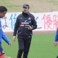 Marinos' Erick Mombaerts to step down after season