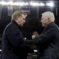 Cowboys owner Jerry Jones threatens to sue NFL over Roger Goodell's proposed contract extension: source