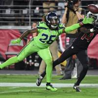 Seahawks' Russell Wilson frustrates Cardinals again