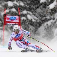 Downhill skier David Poisson dies during training crash