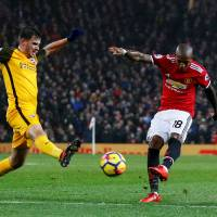 Manchester United, Chelsea get lucky in Premier League