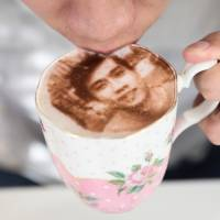 London cafe boasts 'Selfieccino' self portraits in froth
