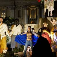 Topless 'sextremist' Femen activist tries to snatch Jesus statue from Vatican crib