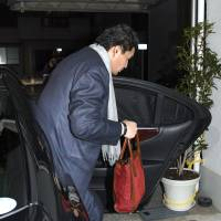 Sumo stablemaster Takanohana finally submits to questioning by JSA