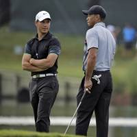 Tiger parting ways with swing coach  Chris Como