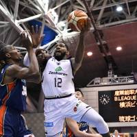 The Golden Kings' Hassan Martin is having a solid season as a rookie in the B. League, averaging team-best totals in points (14.0) and rebounds (8.6) through Sunday. | B. LEAGUE