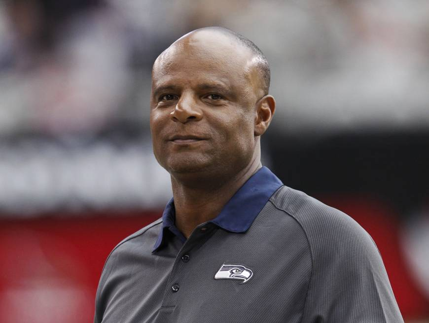 Hall of Fame QB Warren Moon sued for sexual harassment