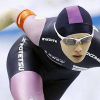 Arisa Go competes in the women's 500-meter race during a speedskating qualifying event on Wednesday. Go finished second to earn a berth in the 2018 Olympics. | KYODO