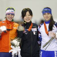 Miho Takagi wins women's 1,500 meters at World Cup