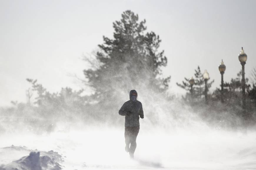 Record low temperatures stoke chaos in U.S. and Canada
