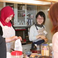 Home-taught cooking lessons by Japan's foreign residents offer a taste of cuisine and culture