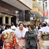 Kimono rental firm's sudden closure leaves many women scrambling on Coming-of-Age Day