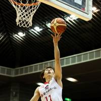 The Jets' Fumio Nishimura shoots a layup in the fourth quarter on Friday. Nishimura finished with 11 points. | B. LEAGUE
