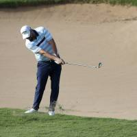 Marc Leishman, Brian Harman take one-shot lead at Tournament of Champions