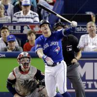 Jays reach deal with Donaldson