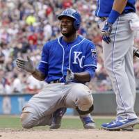 Brewers add Lorenzo Cain to retooled outfield