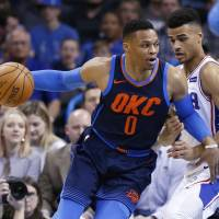 Russell Westbrook leads Thunder to eighth straight victory