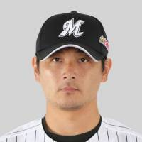 Pitcher Hideaki Wakui staying put with Marines for 2018 season