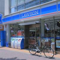 Lawson Inc. is thinking of applying artificial intelligence to its strategy on where to open new convenience stores. | GETTY IMAGES