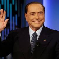 Sidestepping past scandals, Berlusconi barrels ahead with comeback