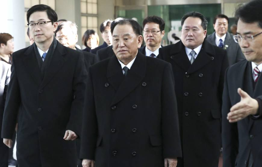 South Korean President Moon meets with blacklisted general from North