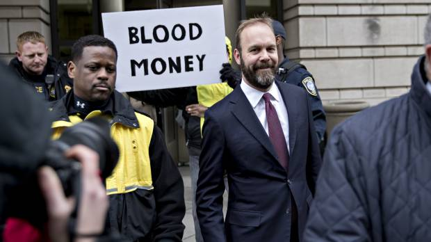 Ex-Trump aide Rick Gates pleads guilty and will cooperate in Russia probe