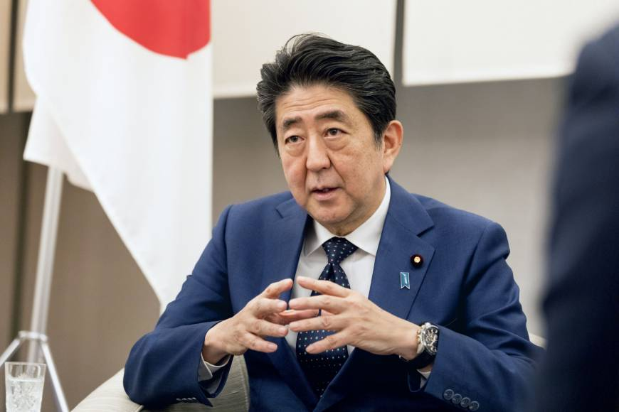 Abe explains uncompromising stance on inserting 'explicit SDF mention' in Article 9