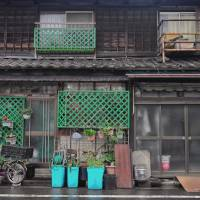Facing extinction: It's possible to find examples of nagaya 'row houses' from the postwar era scattered around areas such as Sumida, Taito and Bunkyo wards today. | MANAMI OKAZAKI