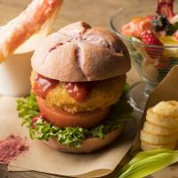 Strawberries, crab unite in anniversary burger