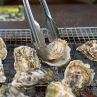 Kakigoya: Oyster huts home to Fukuoka Prefecture's winter treat