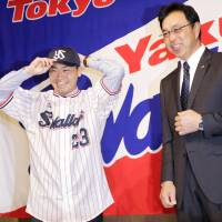 Norichika Aoki focused on winning in second stint with Swallows