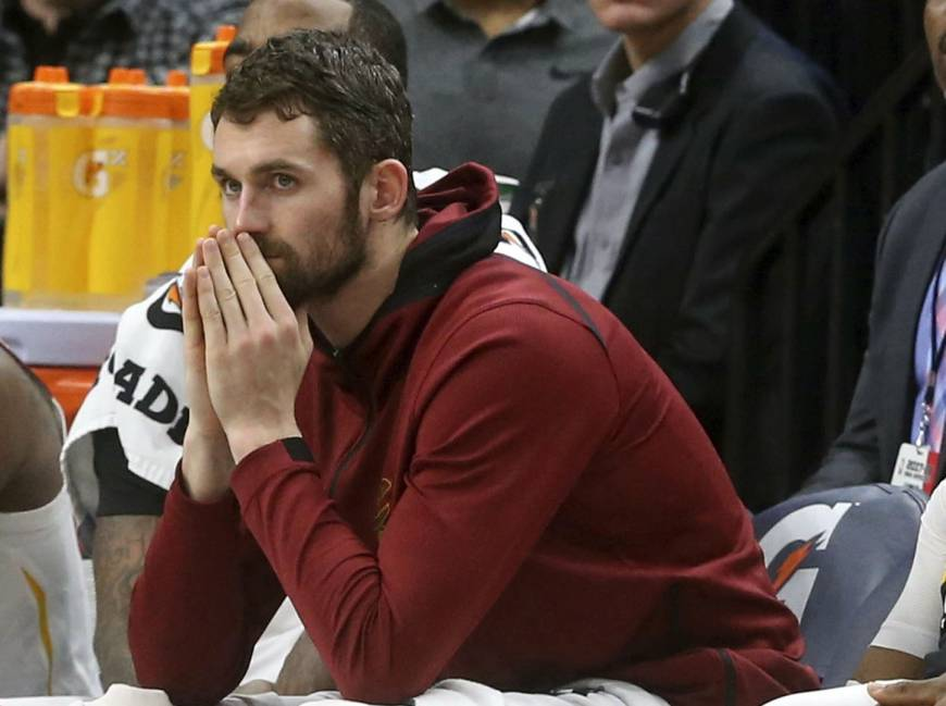 Cavs lose Kevin Love for two months with broken bone in hand