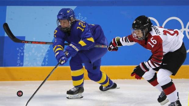 Sweden scores decisive goal in third period against Smile Japan in tournament opener