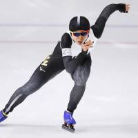Miho Takagi races in the women's 1,000-meter final on Wednesday night. Takagi placed third overall. | KYODO