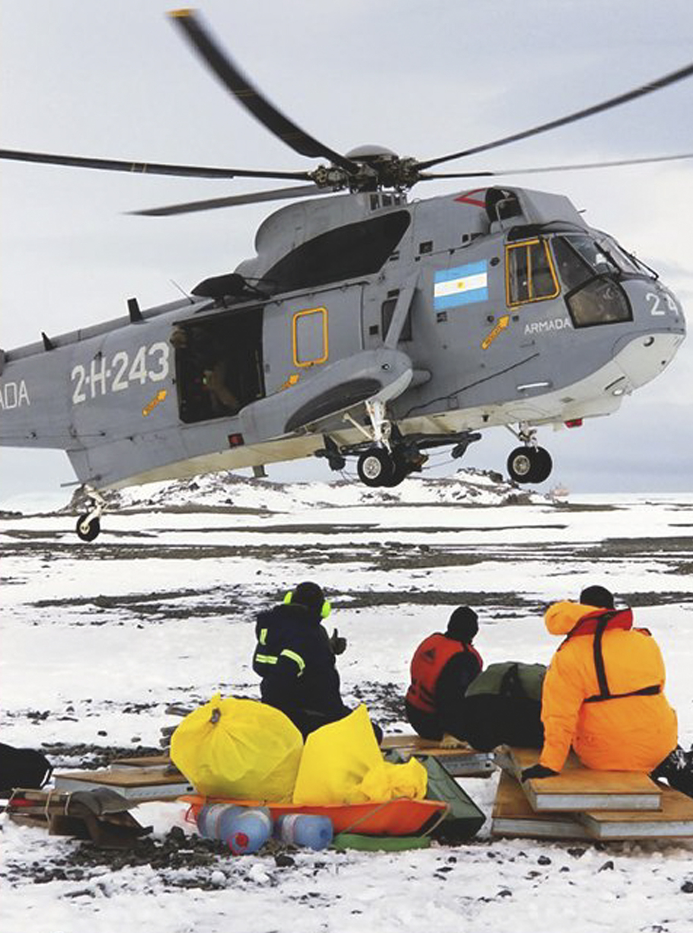 U.S. scientists stranded on Antarctica isle rescued by Argentina icebreaker