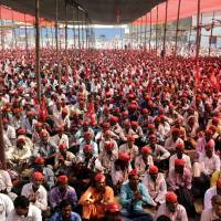 Women farmers join 'long march' to Mumbai to demand land and forest rights