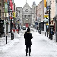 Snow storms shut Ireland; Britain calls in army for hospitals