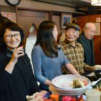 Cancer researcher sets up web portal for Japan's smoke-free eateries